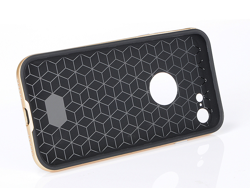 carboncase_iphone_7_8_img3